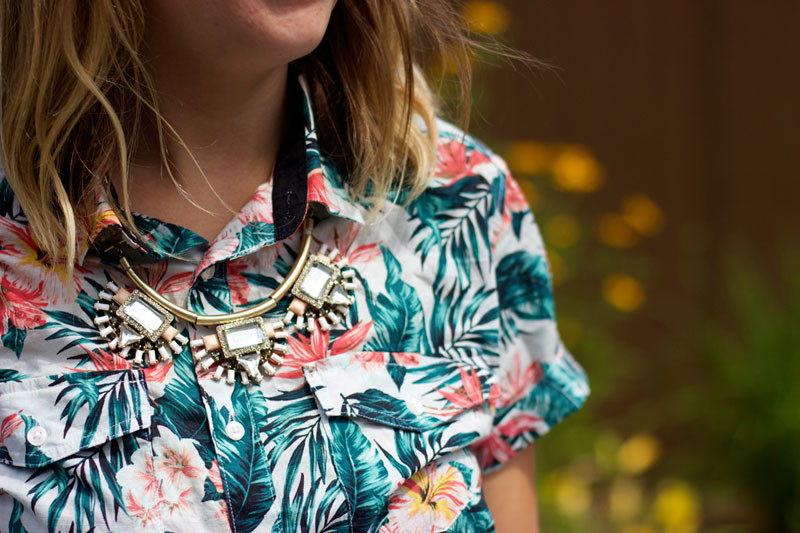 tropical-print-shirt-and-statement-necklace