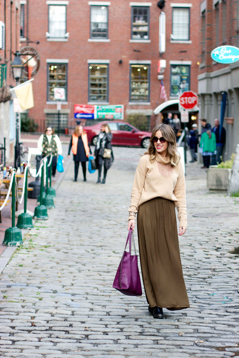 Fall-outfit-turtleneck-sweater-and-maxi-skirt
