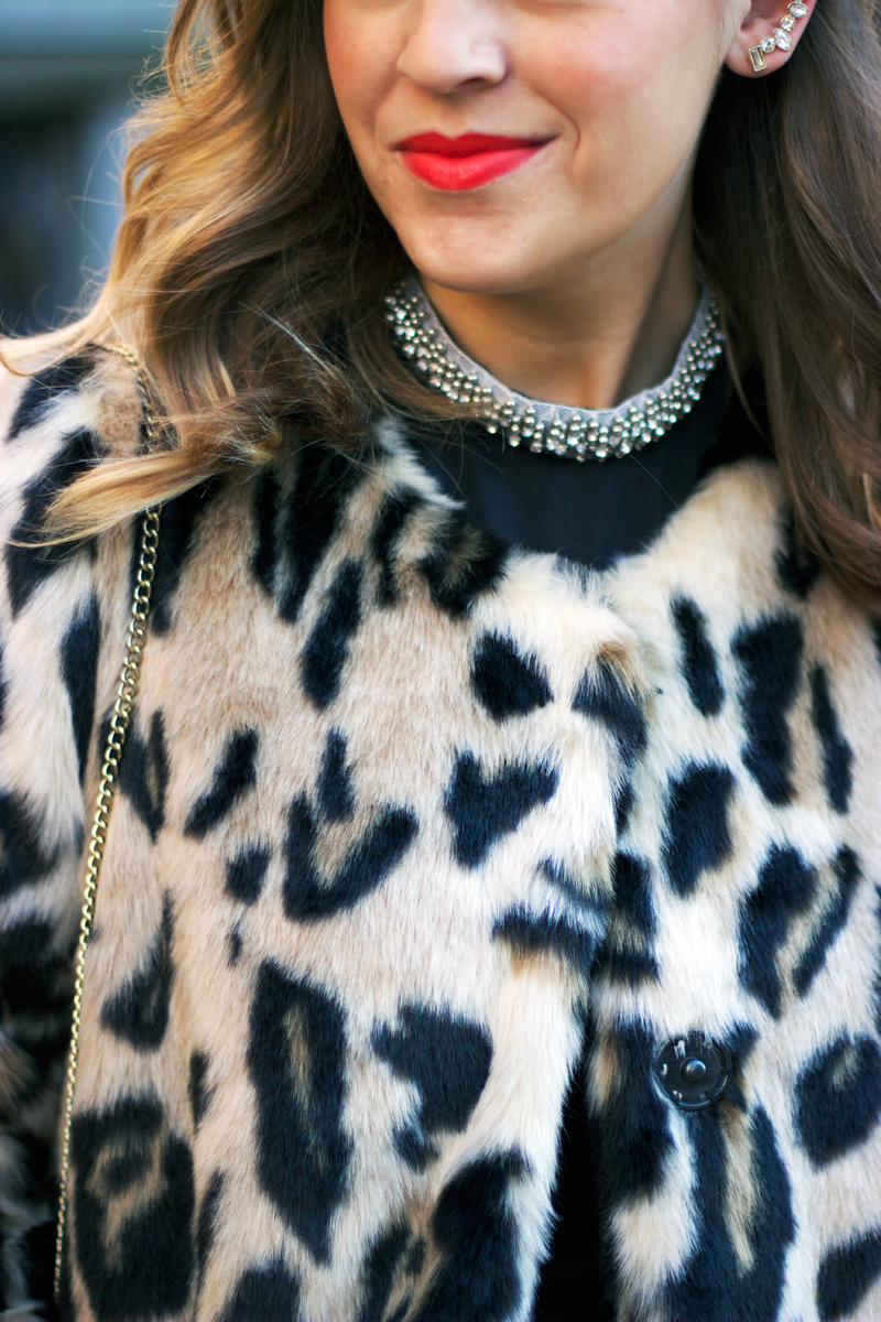 Holiday style: Jewel collar