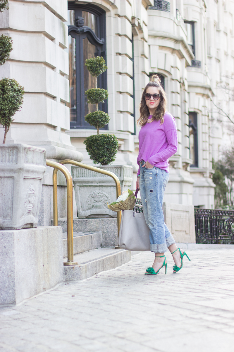 How to wear boyfriend jeans with heels